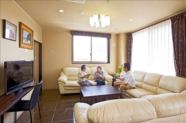 住宅型有料老人ホームシュポールの様子|事業案内|医療法人 おおごう会 - 北九州市小倉北区